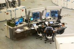 Monitores de los controladores aéreos Fotos de archivo libres de regalías