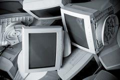 Monitores rotos viejos. Visión superior Fotos de archivo