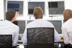monitory zaopatrują handlowów przeglądać Fotografia Stock
