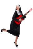 Monja con la guitarra aislada Imágenes de archivo libres de regalías