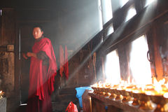Monje, Bhután foto de archivo