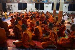 Monje de Camboya en budismo de la pagoda en Siem Reap Foto de archivo libre de regalías