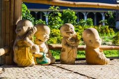 Monje de la arcilla de la muñeca usado en Tailandia Fotografía de archivo