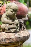 Monje de la arcilla de la muñeca usado en Tailandia Foto de archivo