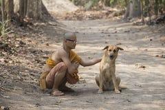 Monje en budista fotos de archivo