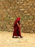 Monje en el monasterio de Samye, Tíbet, China imagen de archivo