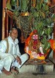 Monje en el templo de Patalpuri Imagen de archivo libre de regalías