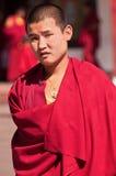 Monje tibetano en el monasterio de Rumtek Imágenes de archivo libres de regalías