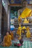 Monjes budistas Imagenes de archivo