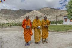 Monjes budistas del Gelug o imagen de archivo libre de regalías