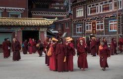 Monjes de la academia del budista de Seda Fotos de archivo