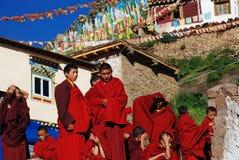Monjes del adolescente en lamasery Fotografía de archivo