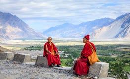 Monjes del monasterio de Diskit Imagen de archivo libre de regalías