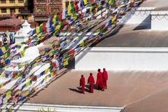 Monjes en Boudhanath Fotos de archivo libres de regalías