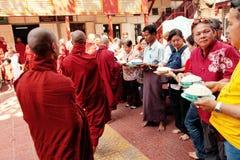 Monjes en el monasterio de Mahagandayone Fotografía de archivo libre de regalías