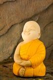 monk för leradockameditation arkivbilder