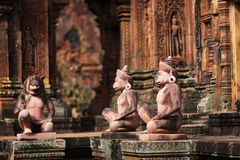 Monkey monuments protecting temple entrance in Ang Royalty Free Stock Photography