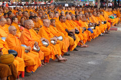 Monks wait the auspicious to walk to the public Royalty Free Stock Photos
