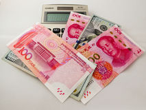 Monnaie fiduciaire de dollar US de RMB et Photo libre de droits