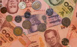 Monnaie fiduciaire et pièces de monnaie - baht de la Thaïlande Images stock