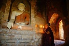 Monnik in Bagan, Myanmar Stock Foto's