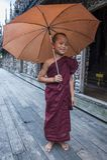 Monnik bij Shwenandaw-Klooster in Mandalay, Myanmar Stock Foto
