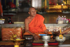 Monniken in tempel Royalty-vrije Stock Foto