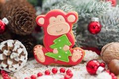 Mono del pan de jengibre de la Navidad Foto de archivo