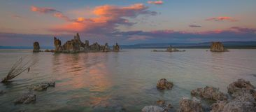 Mono Jeziorna zmierzch panorama Zdjęcia Stock