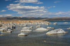 Mono Jeziorne formacje Blisko Lee Vining zdjęcie stock
