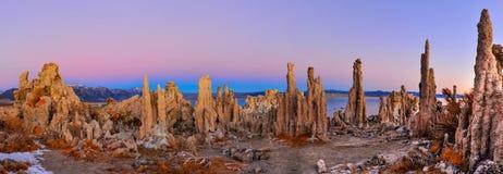 Mono Lake tufa formations at sunrise Royalty Free Stock Photos