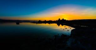 Mono sjösoluppgång Arkivfoto