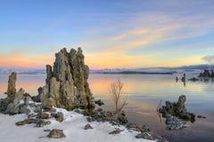 mono soluppgång för lake arkivbild