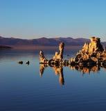 mono tufa för felik lake Arkivfoto