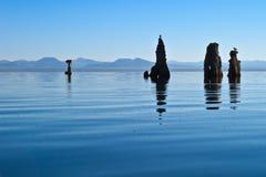 mono tufa för lake Arkivfoto