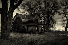 monochrom nawiedzony dom Zdjęcie Royalty Free