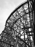 Monochromatisch van de houten achtbaan Cedar Point Sandusky Ohio van Gemni Stock Fotografie
