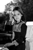 Monochromatyczny portret Latynoska dziewczyna zdjęcie royalty free