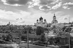 monochrome изображение Святой монастырь Bogolyubovo в солнечном летнем дне, зоне Владимира, России стоковое фото rf