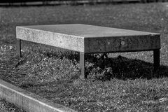 Monochrome каменный парк стенда гранита публично, место для ослаблять Стоковое Изображение RF