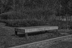 Monochrome каменный парк стенда гранита публично, место для ослаблять Стоковые Фотографии RF