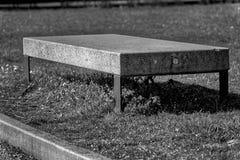 Monochrome каменный парк стенда гранита публично, место для ослаблять Стоковое фото RF