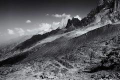 Monochrome план горной цепи Aiguille du Midi Стоковое фото RF