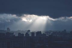 Monochromu krajobraz z Burzowym niebem Obrazy Stock