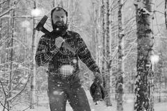 Monochromu krajobrazu mężczyzna z cioską Fotografia Stock