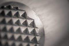 Monocrome makro- strzał drewniany mięsny tenderizer, metal końcówka zdjęcie stock