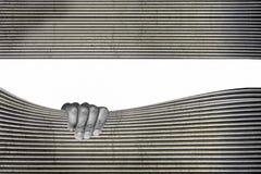 Monocromio della superficie di metallo con la mano impressionante illustrazione di stock