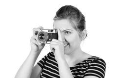 Fotógrafo bonito monocromático retro de la mujer foto de archivo