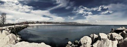 Monocromo de la playa 4 del panorama Imágenes de archivo libres de regalías