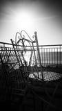 Monocromo del mar Sun y del balcón Fotografía de archivo